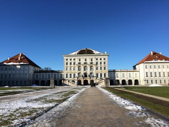 Hotel zur Mühle: Дворец Нимфенбург зимой