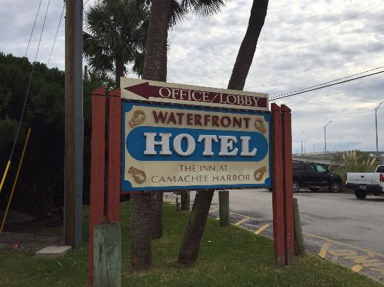 Inn at Camachee Harbor sign