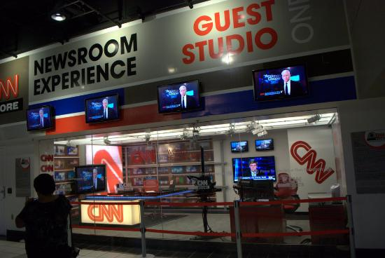 inside cnn studio tour picture of cnn studio tours