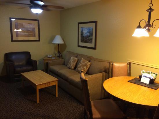 Wyndham Durango: Living room & kitchen area