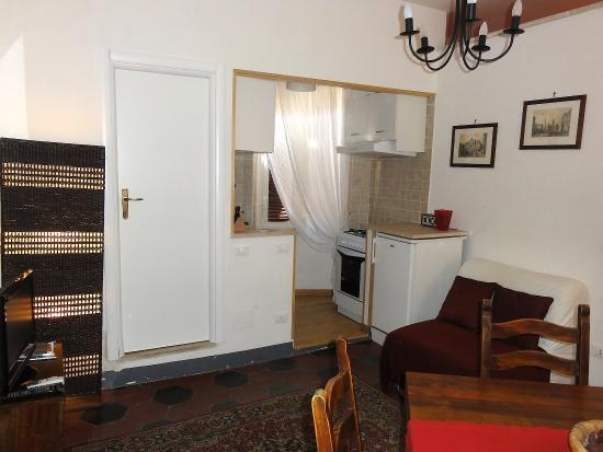 Cedro 21 Apartments: Trastevere - Cedro 5 Apartment, Vicolo del Cedro 21