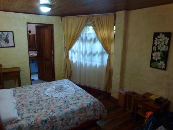 Hotel Claro de Luna : Nuestra habitación