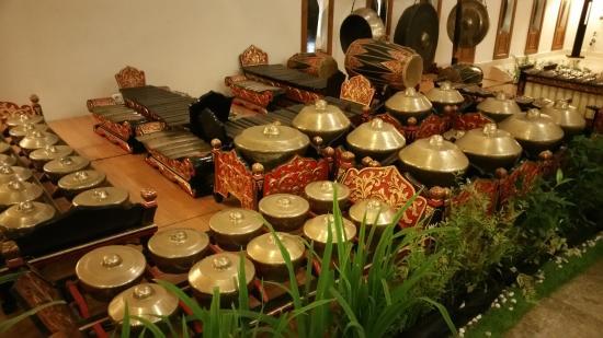 Seperangkat Alat Musik Tradisional Di Lobby Picture Of Grand Inna