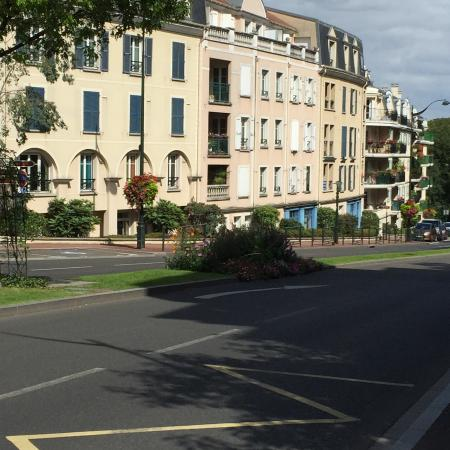 Plessis Grand Hotel : Street view