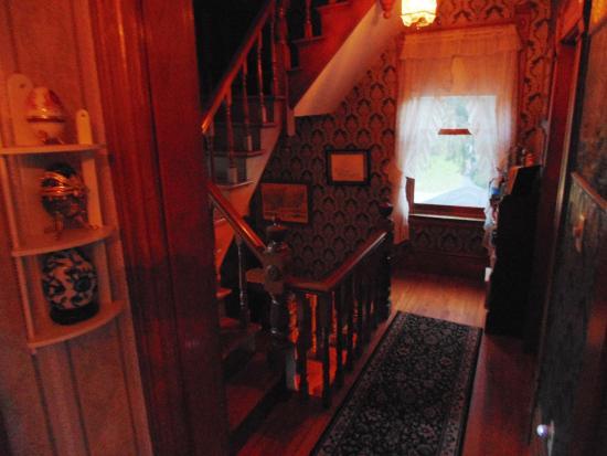 Hardwick, Vermont: Upstairs Hall