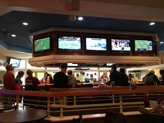 Sharkey's Sports Bar and Restaurant: photo0.jpg