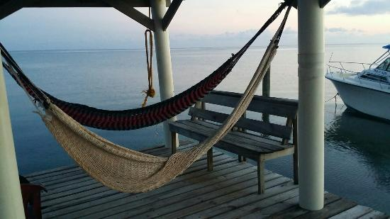 Hobbies Hideaway: Beautiful spot to relax anytime day or night!