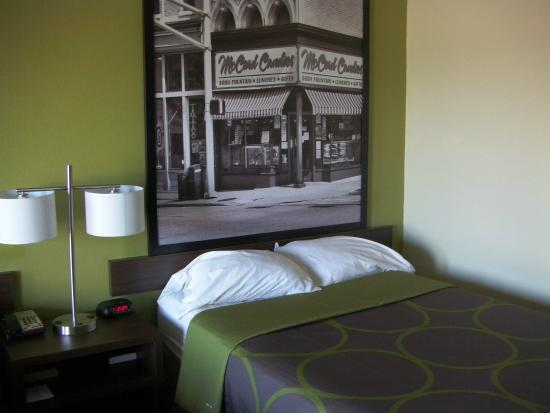 Super 8 Lafayette: New Headboards In All Rooms