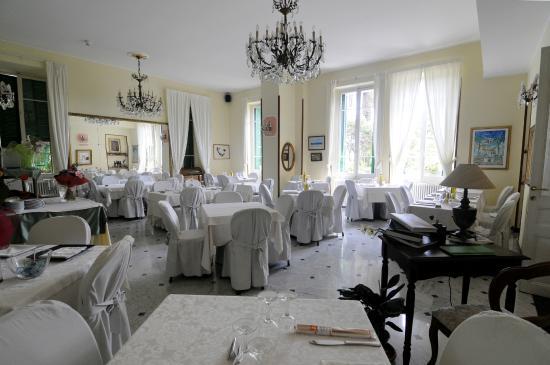 Hotel petit royal ospedaletti italie voir les tarifs for Hotel petit prix
