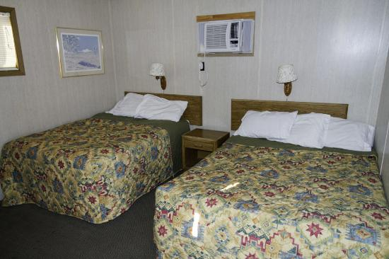 Big Bear Motel: I took this in the morning so the beds are a bit messed up.