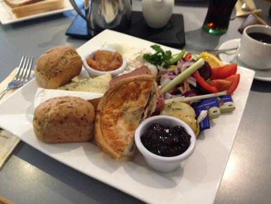Thompsons Fish Restaurant: The posh ploughmans with tasty home made chutney or the haddock supper