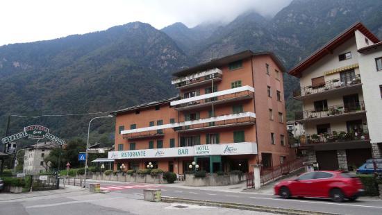 호텔 오로라