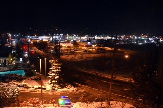Holiday Inn Express Grants Pass: View from the room when we checked in