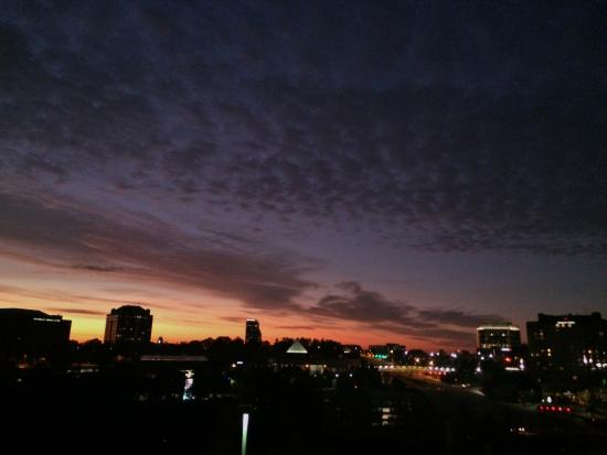 Hampton Inn Atlanta - Cumberland Mall / NW: Early sunrise view looking east toward Gallera - nice view!