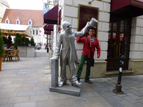 Άγαλμα του Schöner Náci