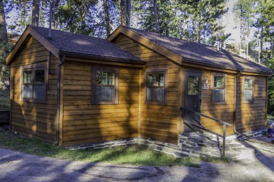 Sylvan Lake Lodge: Our cabin