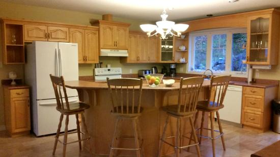 Dining Area | The Kitimat Guesthouse