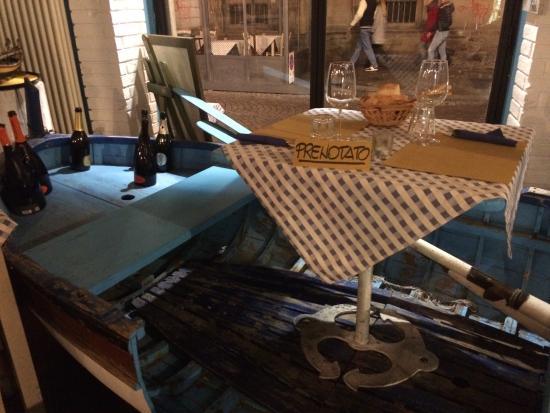 Tavolo barca foto di osteria il porto torino tripadvisor for Il porto torino