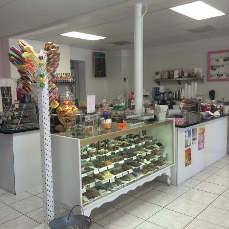 Grandma Daisy's : Ice Cream, Chocolate and Candy