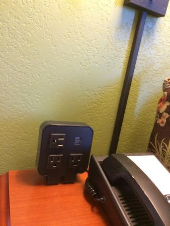 Hampton Inn and Suites Valley Forge/Oaks : LOVE having the power within reach