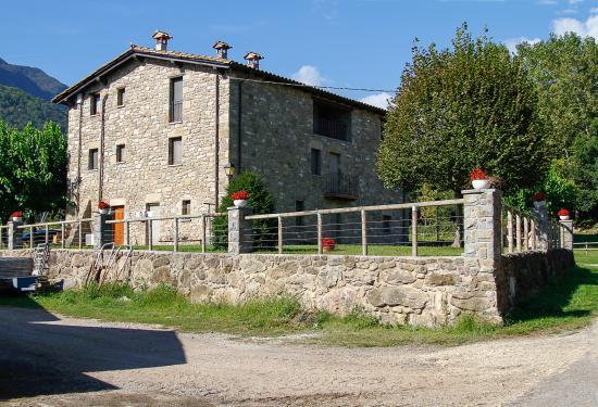 El Ferres Turisme Royal : una vista de la casa rural El Ferrés