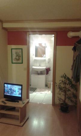 Oberraden, Deutschland: Second - part room, part bathroom