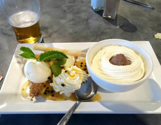 Cooktown Bowls Club: Dessert? Yes please
