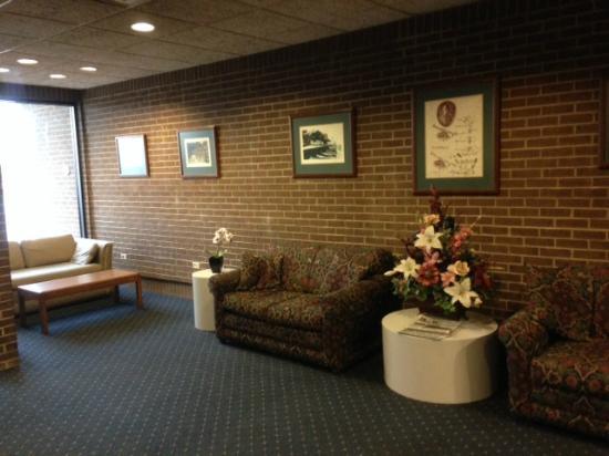 Greenville Inn: Lobby