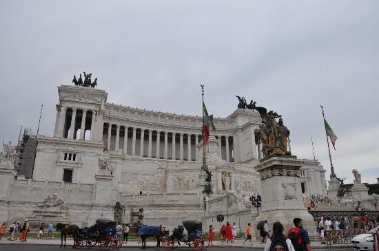 Roma dal Cielo Terrazza delle Quadrighe - Foto di Roma dal Cielo ...