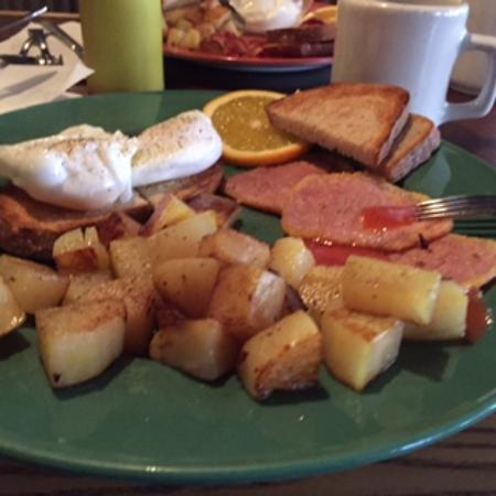 Moroni Restaurant & Tavern: Bacon & Eggs