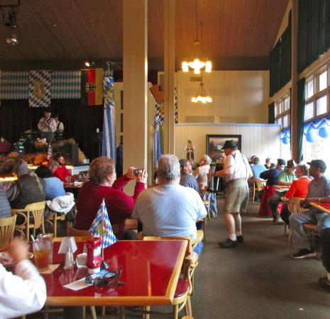 Ober Gatlinburgu0027s Restaurant And Lounge: Fun At Ober Gatlinburg