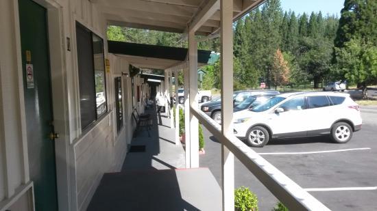 El Dorado Motel : exterior