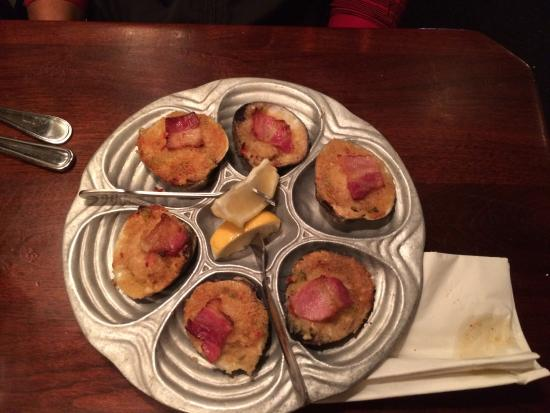 Essex, CT: Clams Casino