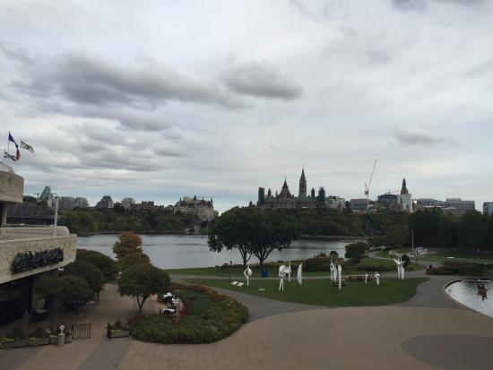 Vista do Rio Ottawa e da primeira eclusa