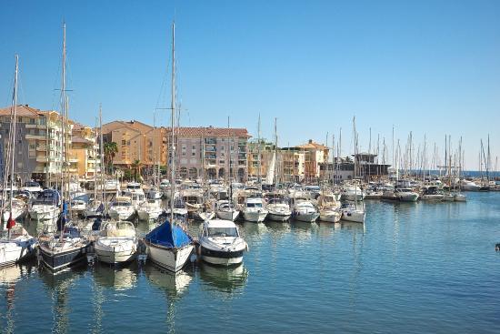 La Marina De PortFréjus Est à Quelques Pas Et Compte Plusieurs Bons - Thalasso port frejus