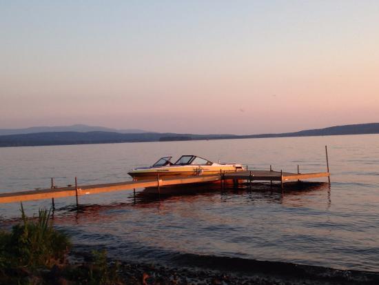 Lac-Brome, Canadá: Vue sur le lac en juillet 2015