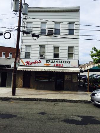 Nicolo's Italian Bakery