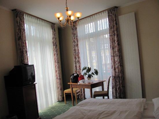 Hotel Esplanade : The room was huge.