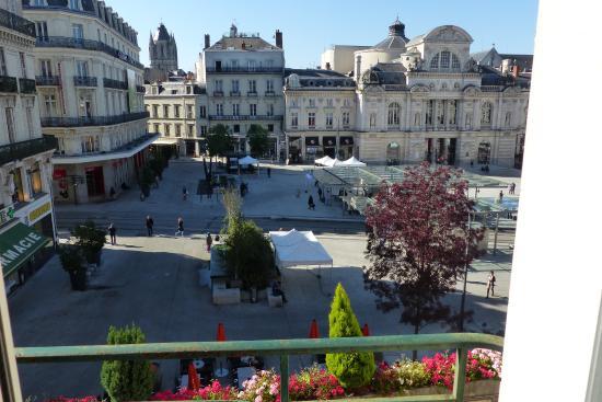 Hotel Saint Julien : The square