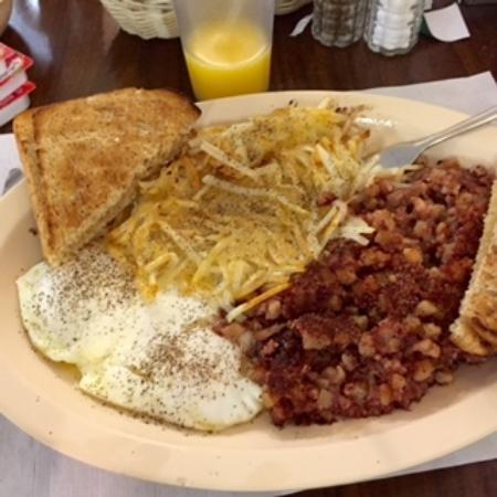 Welaka, ฟลอริด้า: corned beef hash, eggs, hashbrowns were great