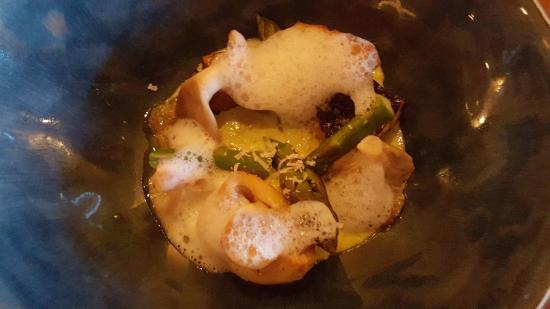 Pacifica Kaimoana Restaurant : wild mushrooms and Asparagus