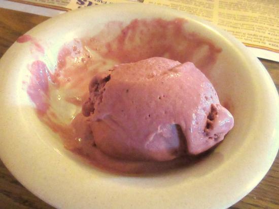 are to die for! YUMMMM!: fotografía de Mrs. Knott's Chicken Dinner ...