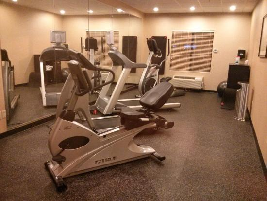 Holiday Inn Express Charles Town: Fitness room