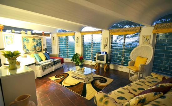 The Fan Villa: Junior Suite Living Room