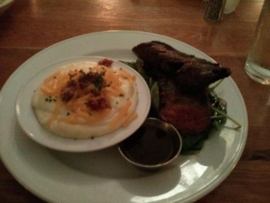 Dish : grilled hangar steak with mac n' cheese side