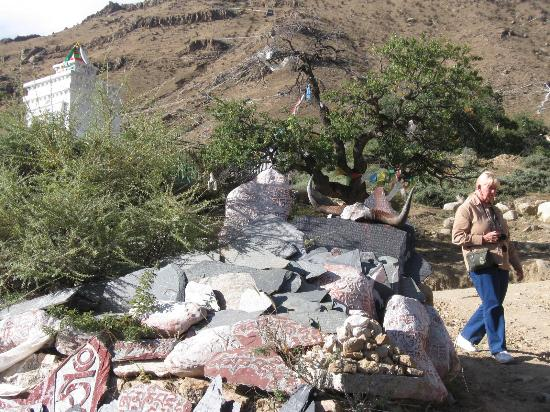Pabangka Monastery : the cemetery