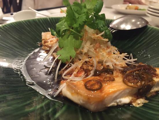 Shahoden Makuhari Techno Garden: 名前を覚えてないのですが、白身魚の料理です。かなり美味しかった。