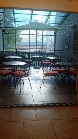 Camas Hotel: 2nd floor continental breakfast room