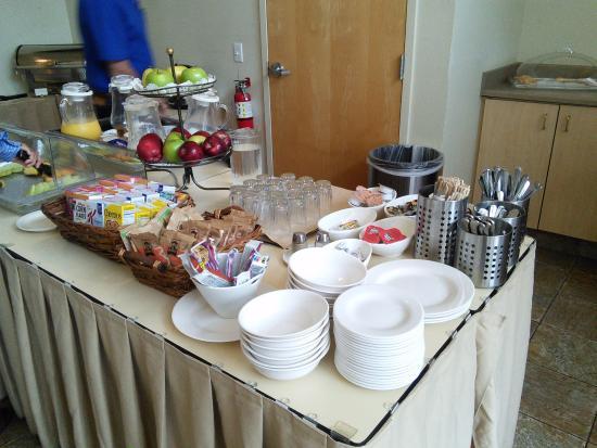 Corporate Inn Sunnyvale : завтрак