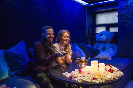 Cinema for Two Pandora: Кинотеатр для двоих Пандора